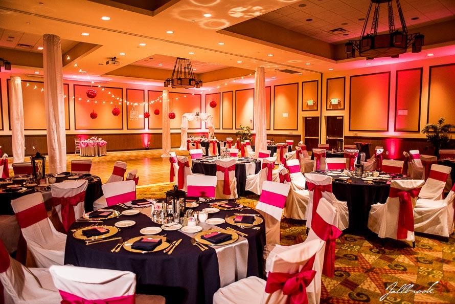 What to know when booking your yuma reception yuma weddings wedding of jeff and minda at the hilton garden inn in yuma arizona junglespirit Gallery